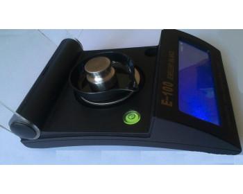 Высокоточные цифровые весы E-100 ( 100/0,001 г) с встроенным уровнем и сенсорным дисплеем