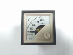 Аналоговый вольтметр LUMEL EA16N E614 400V Польша
